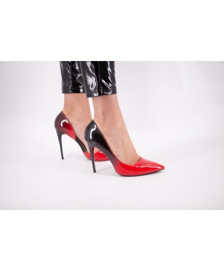 CHELSEA RED AND BLACK PUMP