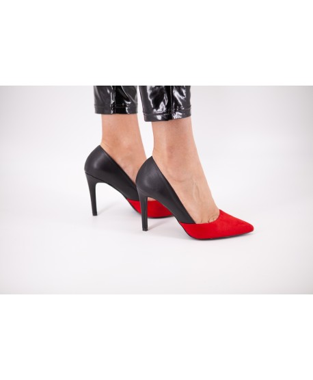 CLEA BI-MATERIAL RED AND BLACK PUMP
