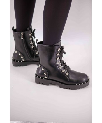 FLAT LEATHER BOOTS WITH...