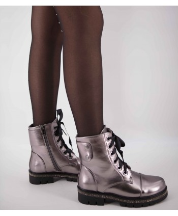 SILVER LEATHER FLAT BOOTS